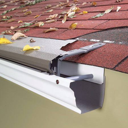 <b>Solid gutter guard </b><br/>Solid gutter guards shed leaves and other debris while leaving an open slit for water to flow through.
