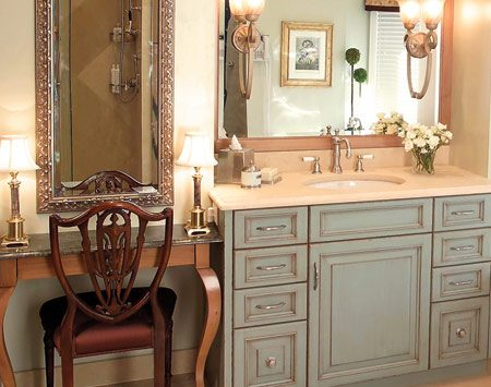 <b>The vanity area</b></br> Marble and limestone are used side-by-side to dress up a vanity top, make-up table and floor.