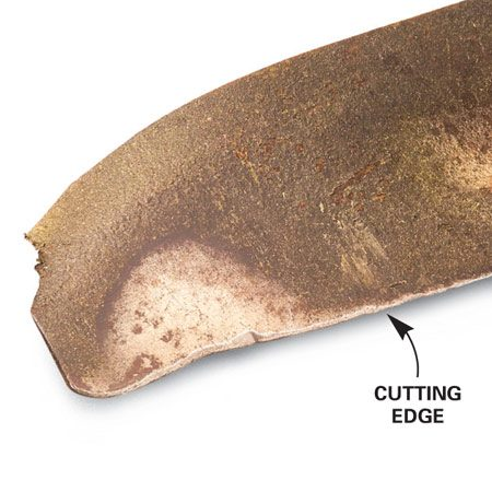 Dents in the cutting edge: Replace blades that have<br/> deep dents that you can't file out and erosion from<br/> wear and sharpening. Also replace any blade that<br/> has cracked.