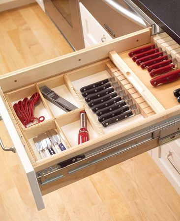 "<b>Knife drawer maximizes storage</b></br> Double-decker drawers with sliding trays store two layers of knives, utilizing valuable drawer ""dead air"" space."