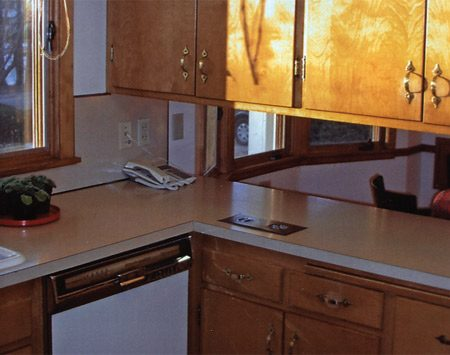 <b>Typical ranch kitchen</b></br> Ranch kitchen before remodeling