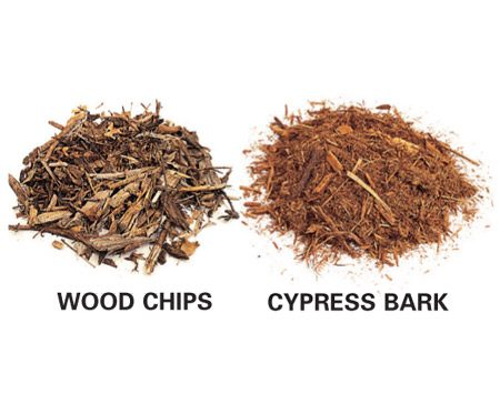 <b>Two common types of mulch</b></br> Wood products gradually decompose and enrich the soil.