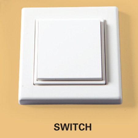 <b>Switch</b></br> The switch can be surface-mounted anywhere within range, even on glass. Click the switch on or off and it instantly sends a signal to the receiver in the fixture.