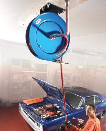 <b>Retractable air hose reel</b></br> End the hassle of unfurling and furling the air hose and keep it off the floor.