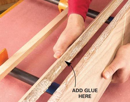 <b>Check the glue coverage</b></br> Look for spots where the glue is thin or absent. Spread more if necessary.