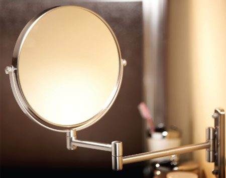 <b>Pullout mirror</b></br> A pullout mirror comes to you so you don't have to lean over the sink.