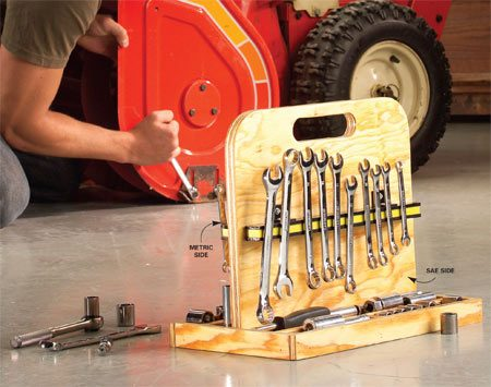<b>Magnetic bars</b></br> Fasten magnetic bars to the handle to keep wrenches in order.