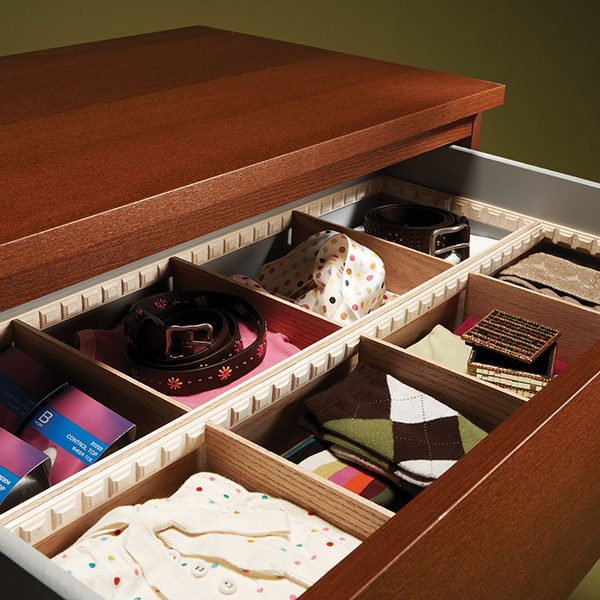 "<b>Keep things organized</b></br> <p>Dividers are essential to organized drawers. <a href=https://www.familyhandyman.com/storage-organization/drawer-dividers/view-all title=""Drawer Dividers"">These quick-to-make custom dividers</a> work great in a dresser, bathroom vanity or any kitchen drawers.</p>"