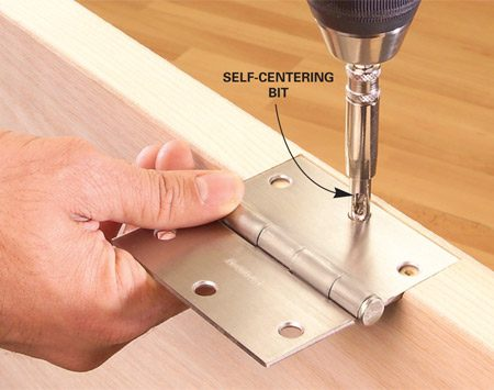 <b>Self-centering bit for mounting hardware</b></br> A self-centering bit helps you mount hardware more accurately.