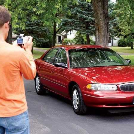 <b>Photograph your car</b></br> Sell your car faster by including high-quality photos in your Internet ad. Park the car in the shade and shoot the exterior, interior and the trunk.