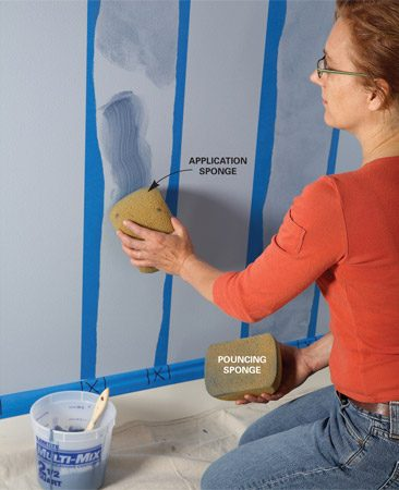 <b>Photo 3: Apply glaze</b></br> Wipe a swath of glaze onto the wall with the sponge. Start a few inches from the completed area.