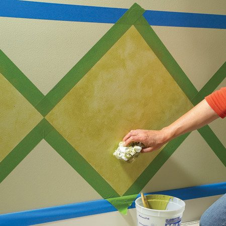 <b>Photo 4: Apply a second layer</b></br> Add a second layer of glaze in random patches after the first coat dries.