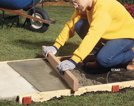 <b>Screed without obstructions</b></br> Drive or cut off stakes below the form top to make screeding easier.