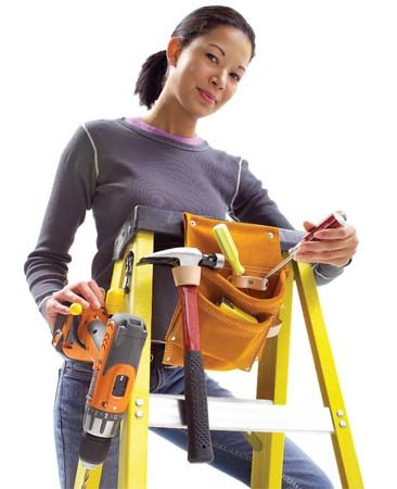 <b>Mount a tool belt on your ladder.</b></br> Ladder pouch keeps tools where you need them.
