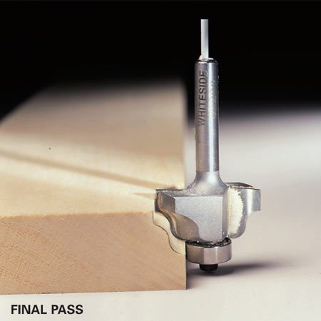 <b>Final pass</b><br/>Finish the edge with a full-depth final pass.  For very deep profiles or cuts in difficult, splintery woods, make a second or even third pass before the final pass.