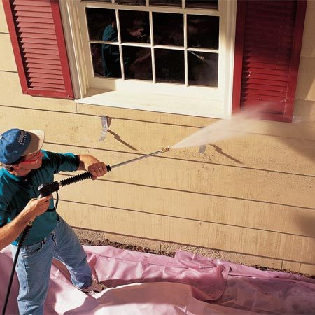 <b>Pressure washing</b></br> Clean off dirt and loose paint by pressure washing or scrubbing.