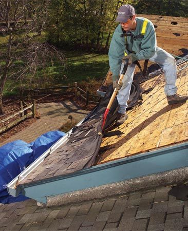 <b>Tear off</b></br> Tear-offs are now recommended for most reroofing jobs. Discuss the issue thoroughly with your contractor.