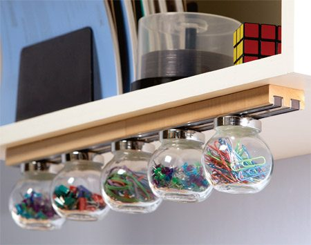 <b>Magnetic office supplies holder</b></br> Organize your small office supplies in this great-looking holder.