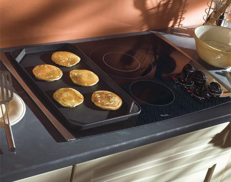 <b>Glass and ceramic cooktops</b></br> Glass and ceramic cooktops require special handling and cleaning.