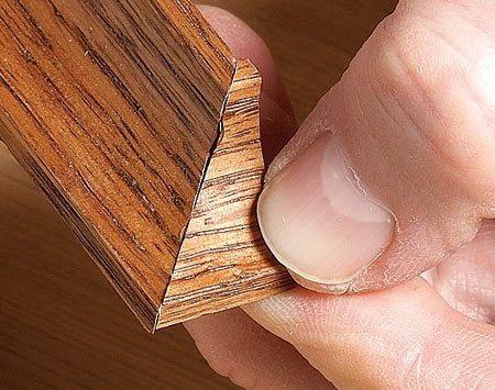 <b>Photo 2: Join the miter</b></br> Press the two mitered parts together and the super glue will quickly bond.