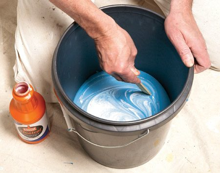 <b>Mix in a paint extender</b></br> Paint extenders slow drying and help prevent lap marks.