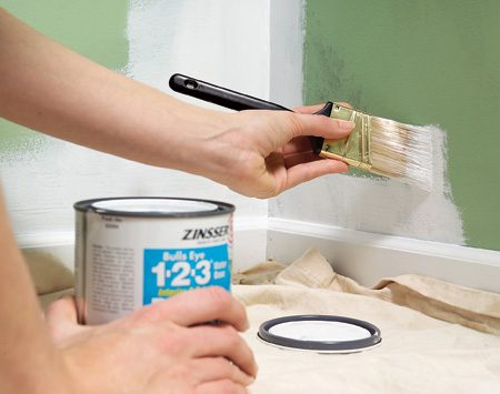 <b>Use a stain-blocking primer</b></br> Apply a stain-blocking primer to high-humidity areas to prevent mildew and peeling on interior walls and blistering on exterior walls.