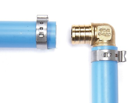 <b>How they work</b><br/>Cinch rings fit over the pipe and tighten just enough to make the connection with the barbed fitting watertight.