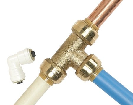 <b>Versatile fittings</b></br> Push-in fittings work with copper and CPVC as well as with PEX.