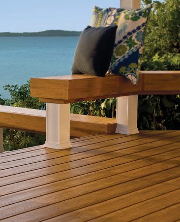 <b>Damp deck</b></br> Composite decks subject to frequent wetting can get slippery if they don't have a texture.