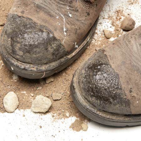 <b>Boot saver</b></br> A coating of boot saver protects the toes of these work boots.