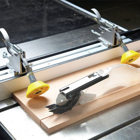 <b>Hold-down rollers</b></br> These rollers clamp the board against the table and fence while you run the board through a table saw or router.