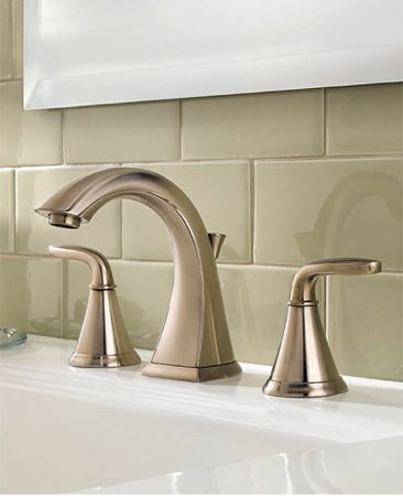 <b>Price Pfister Pasadena lav faucet</b></br> The Pasadena lavatory faucet is a stylish, economical and eco-friendly option from Price Pfister. Available at home centers and <a href='http://www.pricepfister.com'>pricepfister.com</a>.