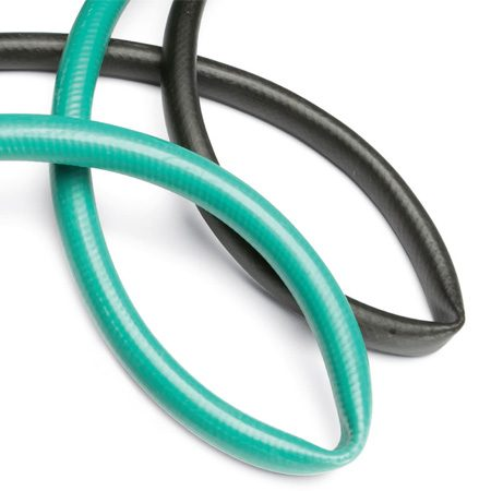 """<b>Photo 1: Try to kink the hose</b></br> Loop a section back onto itself to see if it kinks. The black hose had the most plies and an """"anti-kink"""" rib, but was easiest to kink."""