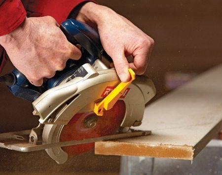 <b>Pull back guard for steep angles</b><br/>Cutting steep angles, especially if they're compound (cuts with a bevel and an angle), requires one special step. That's pulling the guard back from the blade as you begin the cut. Skip this step and your guard will get bound up as you enter the cut and make it impossible to continue.
