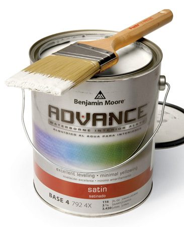 <b>Smooth flowing paint</b></br> Newer water-base alkyd formulations flow smoothly so you won't leave brush marks.