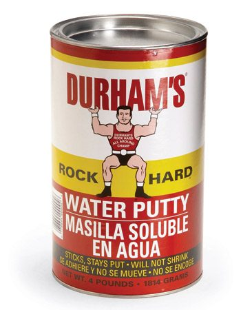 <b>Water putty</b><br/>Water putty sets quickly and dries hard.