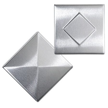 <b>Tile choices</b></br> Stainless steel, aluminum and copper tiles are available in many styles, in brushed or shiny finishes, and embossed or plain. Some tiles are even bowed to create a basket-weave look.