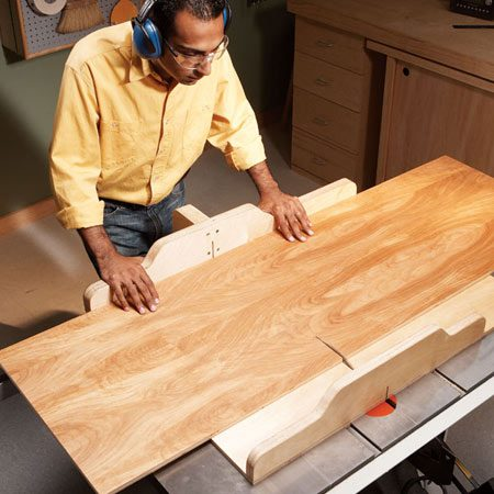 <b>Crosscut sled</b></br> Make perfect 90-degree crosscuts every time with this simple table saw sled.