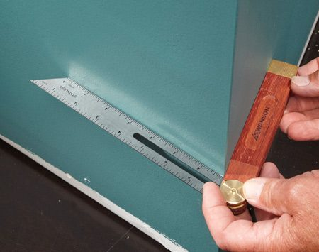 <b>Capture the angle</b></br> Fold the bevel gauge around the corner and tighten the nut to lock in the angle.