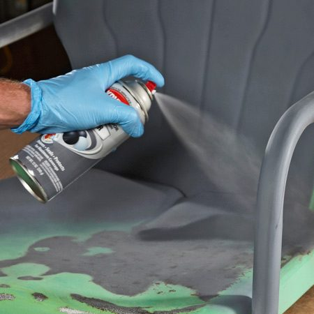 <b>Prepare and prime</b></br> Clean the metal before priming. Then apply the primer over the old paint and the newly sanded metal.