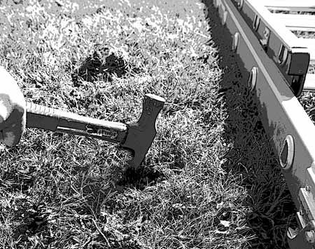 <b>Chop through sod</b></br> Excavate shallow holes quickly and efficiently in the toughest soil.