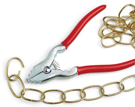 <b>Chain pliers</b></br> This special tool neatly opens and closes decorative chains.