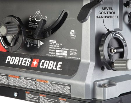 <b>Handwheel tilt mechanism</b></br> The handwheel on the Porter-Cable saw delivers easy adjustment and precision.