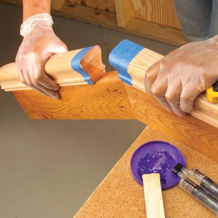 <b>Gluing a hand rail</b></br> Apply quick-setting epoxy and push the joint tightly together until the quick-setting epoxy hardens.