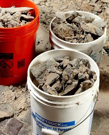 <b>All-purpose 5-gal. bucket</b><br/>A plastic 5-gallon bucket comes in handy for a multitude of uses.
