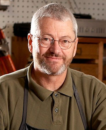 <b>Meet the pro</b><br/>David Munkittrick has 30 years' experience in woodworking. He is an active freelance journalist, furniture designer and builder. He lives and works on an old farmstead in western Wisconsin where the pig barn has been repurposed as his wood shop.