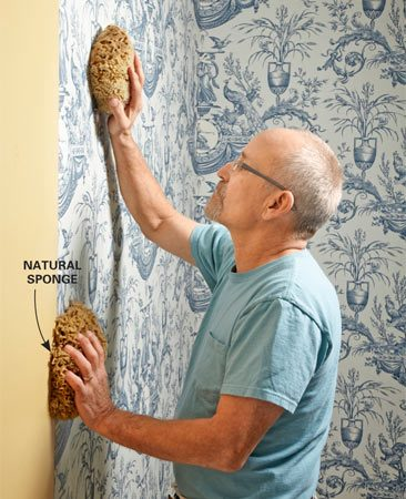 <b>Keep it clean</b></br> Use natural sponges to clean off paste residue after each sheet is hung. It's a lot easier to clean up the paste while it's still moist instead of waiting until it cures.