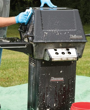 Before repainting, you need to degrease the grill inside and out.