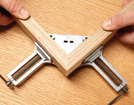 <b>Get 90 degree corners every time</b><br/><p>With some miter-clamping methods, you need to grab a square and make sure the corner is exactly 90 degrees. Not so with corner clamps; they automatically hold parts perfectly square. They&rsquo;re available at home centers or online.</p>