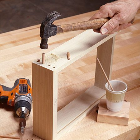 <b>A well-crafted drawer</b></br> <p>The joints are just 1/4-in. oak pegs.</p>